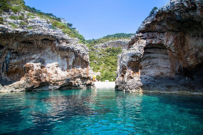 Blue Cave and 5 Island Hopping Tour from Makarska