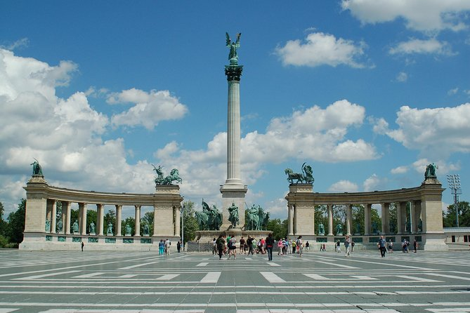 Budapest City Sightseeing Half-Day Tour photo 10