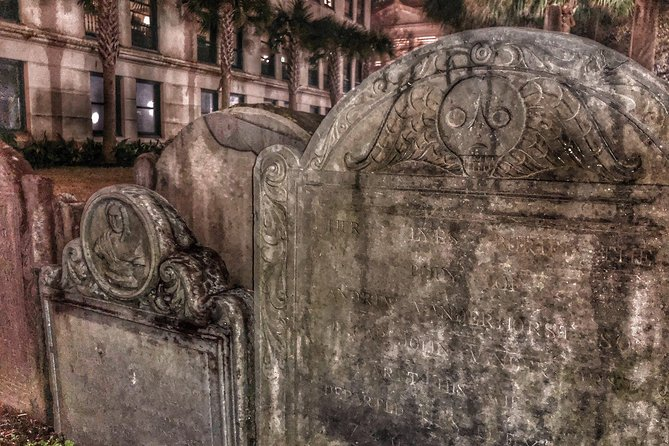Charleston Ghost & Graveyard Night-Time Guided Walking Tour photo 8