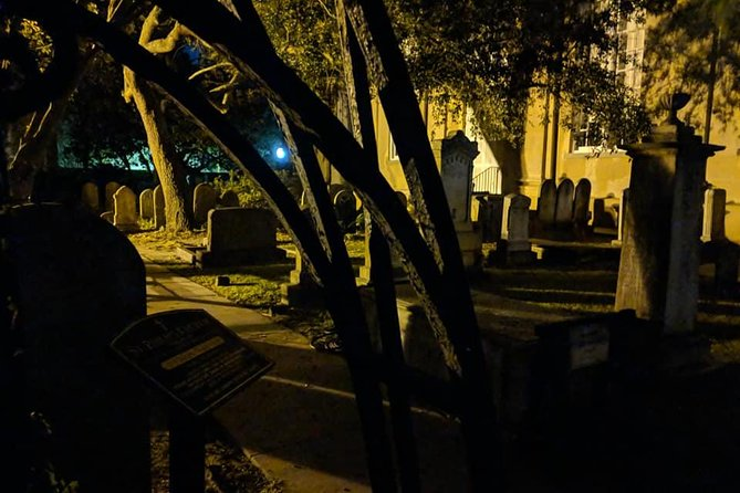 Charleston Ghost & Graveyard Night-Time Guided Walking Tour photo 4