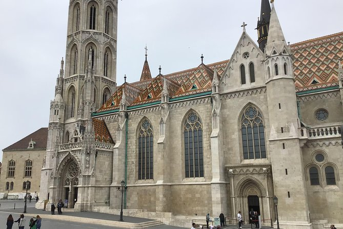 Buda Castle Private Tour + tickets to the Matthias Church are included photo 2