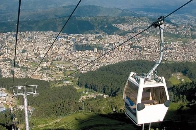 Full Quito City Tour including Middle of the World and Teleferico Cable Car photo 3