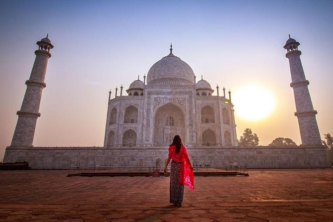 From Jaipur: Private Sunrise Taj Mahal & Agra Fort by Car