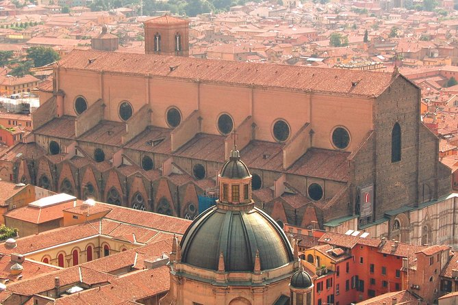 Bologna Highlights Small Group Tour with a Local Guide