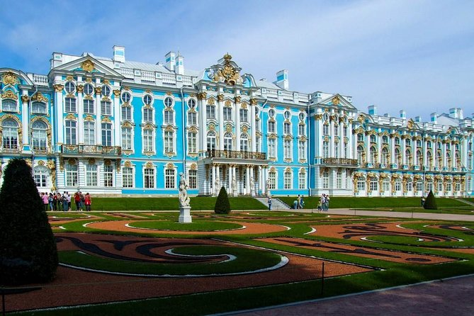 From St.Petersburg: Tour to the Catherine Palace and Amber Room
