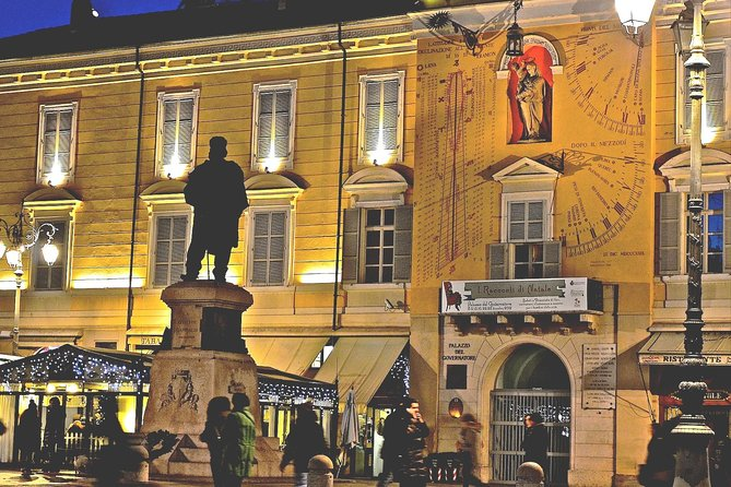 Parma Highlights Small Group Tour by Night