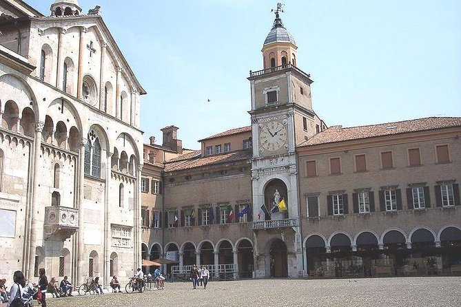 Modena Highlights Small group Tour with a Local Guide