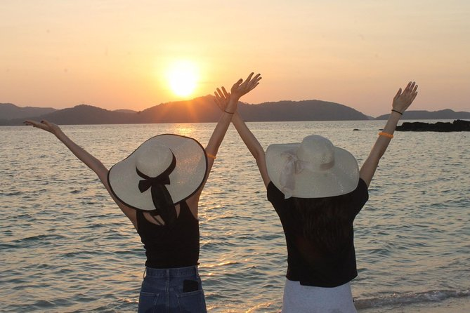 Phi Phi Islands Sunrise Deluxe Tour from Phuket photo 3