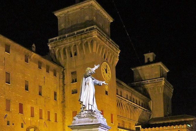 Ferrara Highlights Small Group Tour by Night