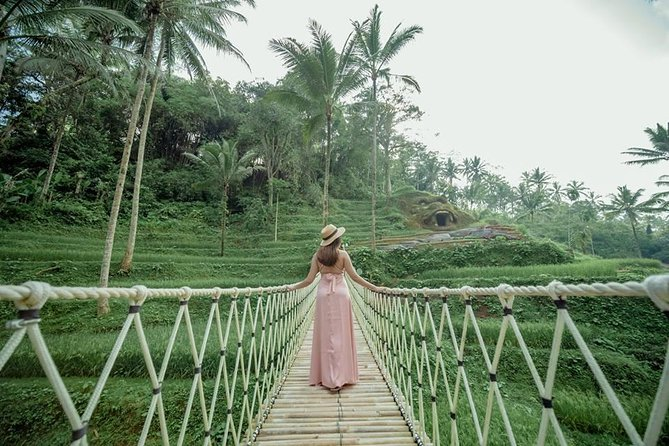 Private Ubud Swing Tour and Tanah Lot Temple Sunset