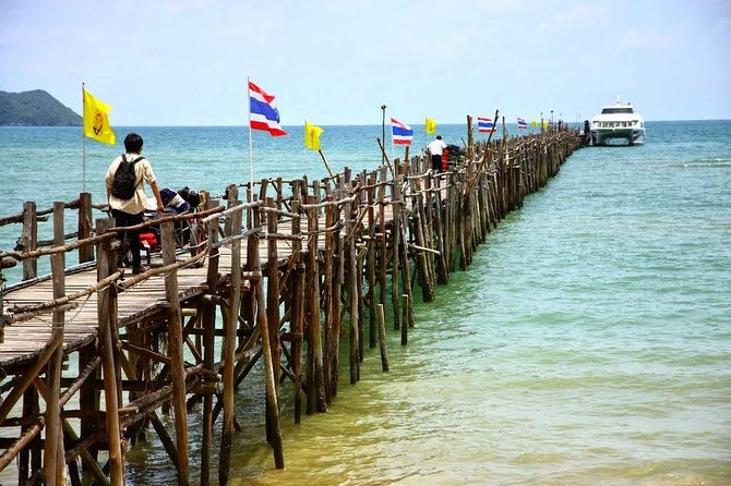 Stopover at at Thung Makham Noi Pier in Chumphon