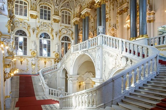 Hermitage and Winter Palace Private Tour + Professional Photographer photo 3