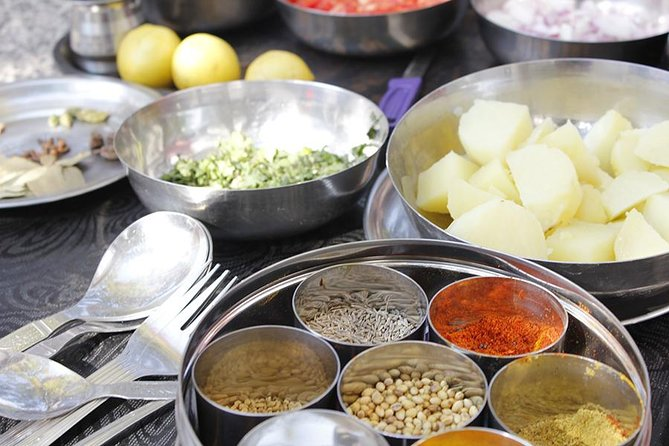 Private Rajasthani Spice Market Visit and Cooking Class in Jaipur