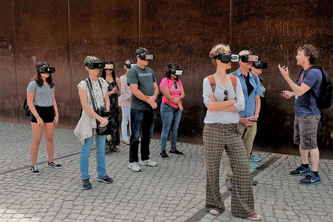 Small Group East Berlin Stories with a Unique Virtual Reality Experience