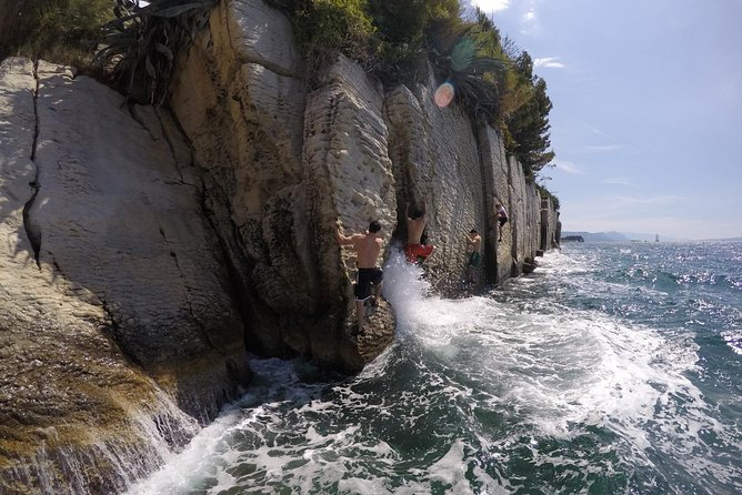 Deep Water Solo and Cliff Jumping Tour in Split