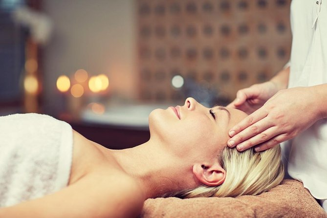 Traditional Chinese Medicine Massage.Herbal treatment in Guangzhou