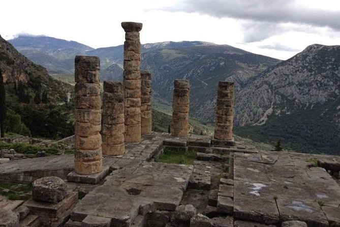 Private Tour to Delphi with licensed guide and Lunch