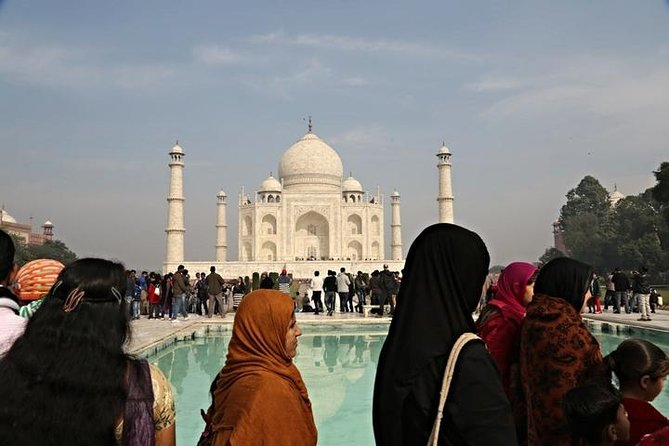Muslim Family Appealing Agra Day Trip