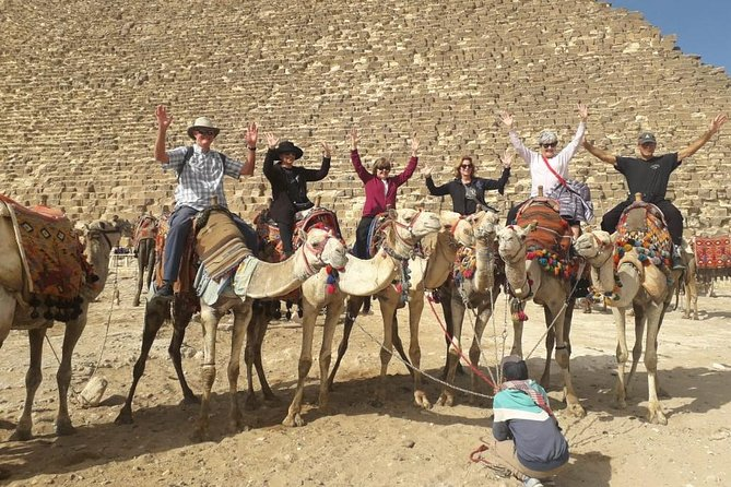 Private day tour to Giza Pyramids and Camel ride & Egyptian Museum