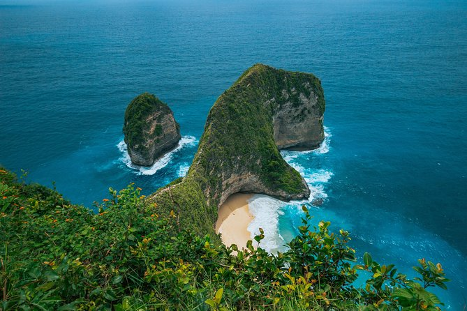 Explore Nusa Penida by speedboat and car photo 15