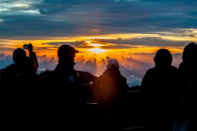 Haleakala Maui Sunrise Tour with Breakfast