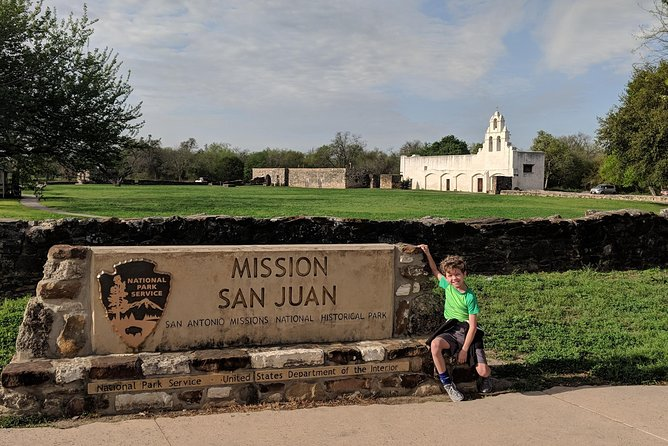 Historic San Antonio Mission Guided Tour with Transportation