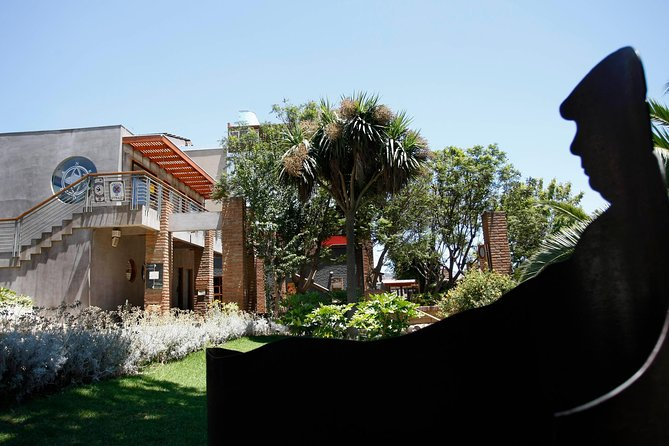 Santiago: Full-Day Neruda's Route Tour, include entraces to museums