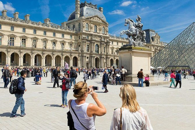 Skip-the-Line: Louvre Museum Greatest Masterpieces Small Group Tour