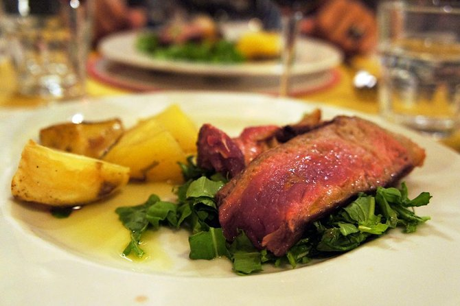 Delicious Florence: Evening Food Tour with Wine Tasting & Florentine Steak