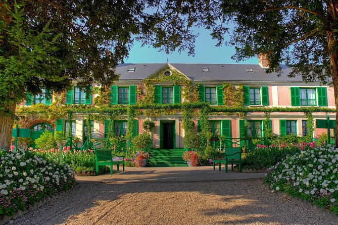 Giverny & Auvers sur Oise Private Day Trip with Monet & Van Gogh Tour from Paris