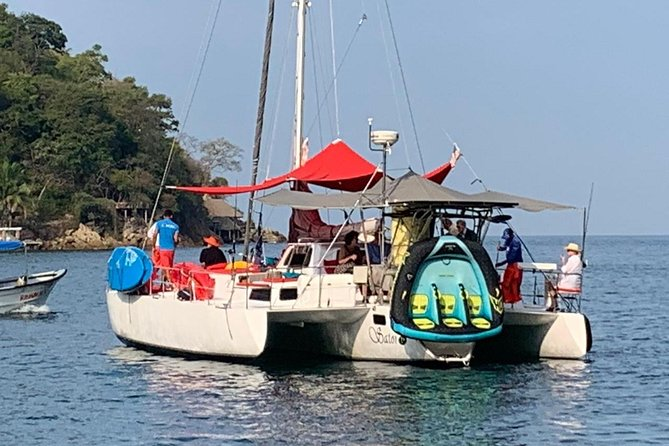 Chica SAILING ADVENTURE ALL INCLUSIVE 6-HOUR TOUR TO LOS ARCOS ISLANDS