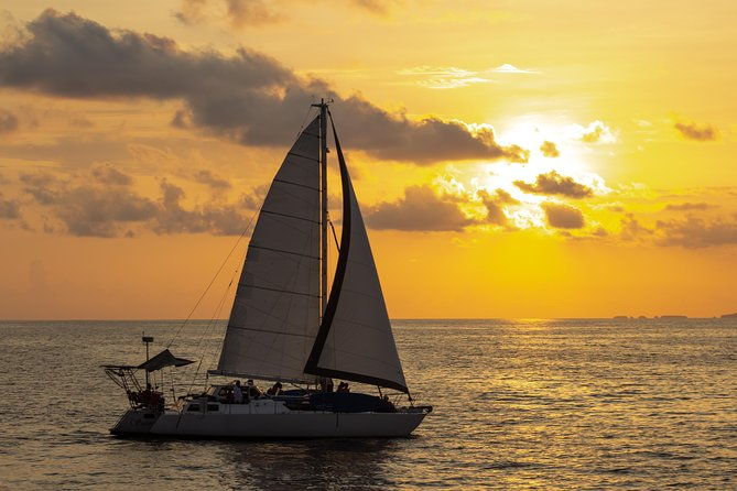Chica SAILING ADVENTURE 4-HOUR ALL INCLUSIVE SUNSET TOUR ON BANDERAS BAY