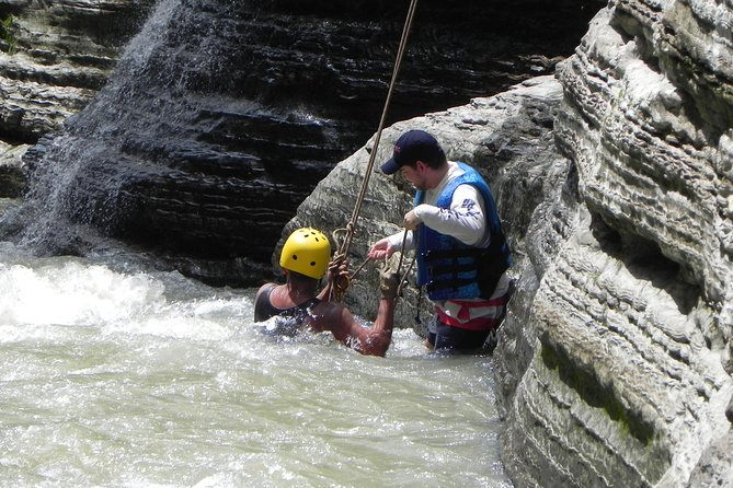 Rappel (abseiling) in Cajones de Chame - Private