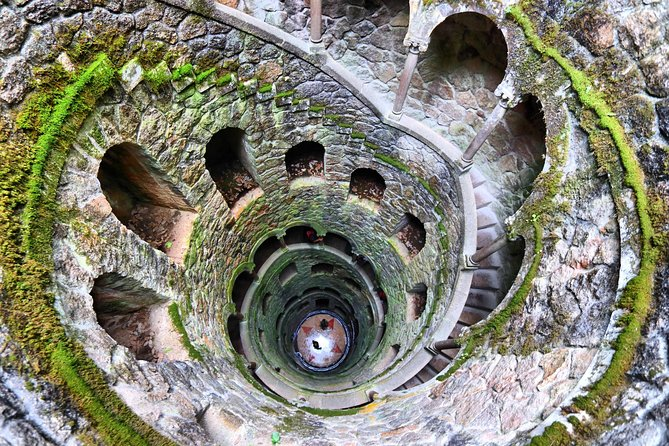 Sintra Palaces Tour with Pena Palace and Quinta da Regaleira