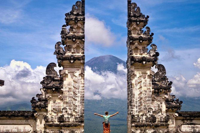 THE MOST SCENIC SPOTS: LEMPUYANG TEMPLE