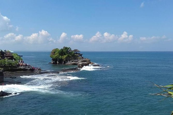 Transfer Airport and Tanah Lot Tour