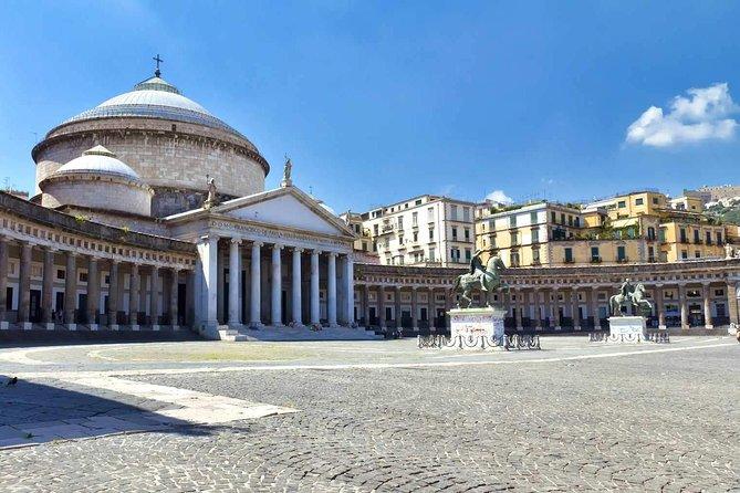Svelaria Tour of the monumental Naples