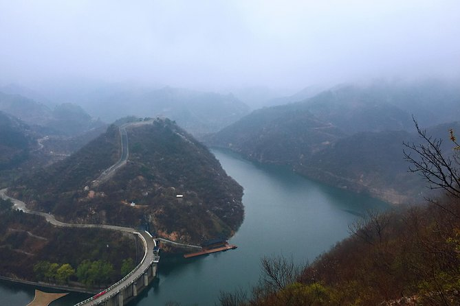 2-Day Private Hiking Trip at Huanghuacheng and Jinshanling from Beijing