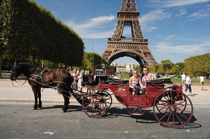 Paris Private Romantic Horse & Carriage Ride