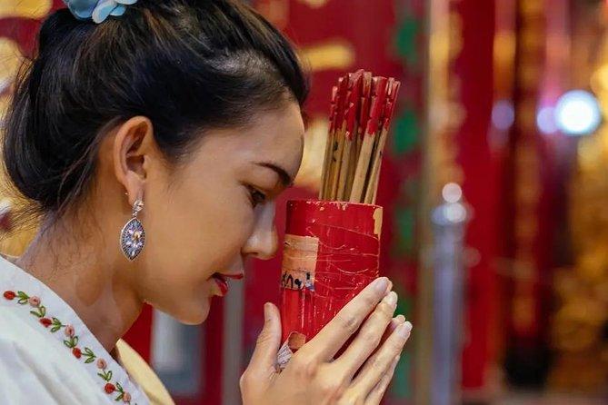 Bangkok Spirituelle Erfahrung: Buddhismus, Mönche und Rituale