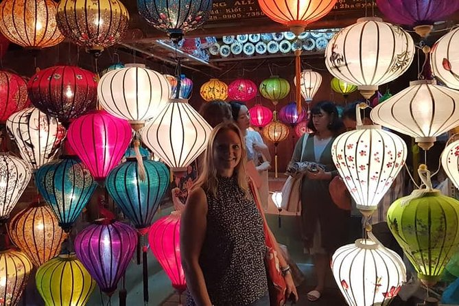 Hoi An Walking Tour with Night Market, Sampan Boat ride from Da Nang or Hoi An