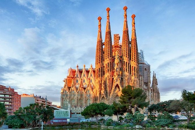 Sagrada Familia Skip the line Guided Tour in Spanish