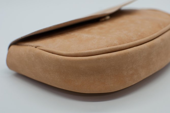 Experience Leather Craft: Make Your Own Leather Clutch photo 4