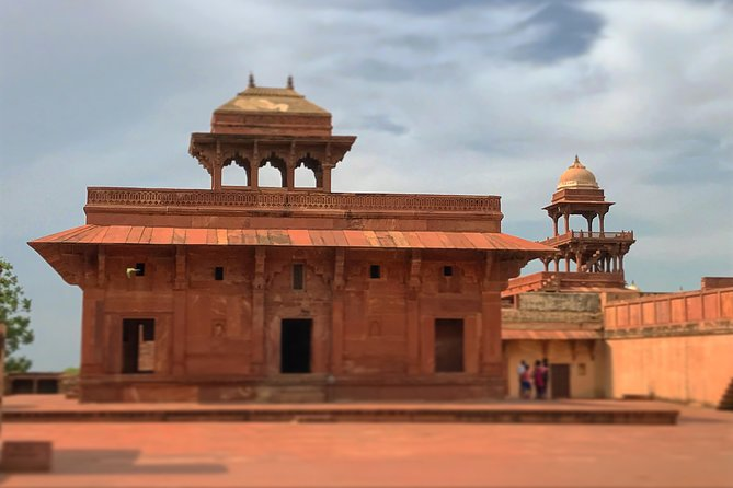 Fatehpur Sikri & Abhaneri Tour From Agra To Jaipur With Lunch & Entry(Optional)