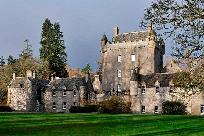 Tour 2 Cawdor Castle, Inverness, Culloden Battlefield and Loch Ness