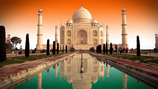 Private Taj Mahal Tour by Gatimaan Train With Entrances Fees