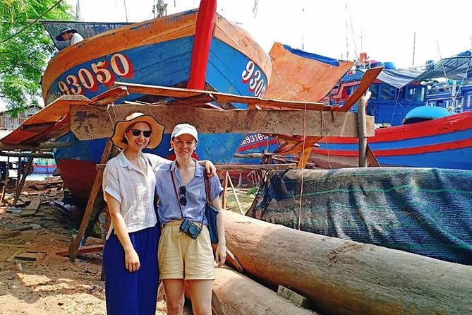 Hoi An Daily Walking Tour with Boat Trip to visit Cam Kim Island by Bicycle
