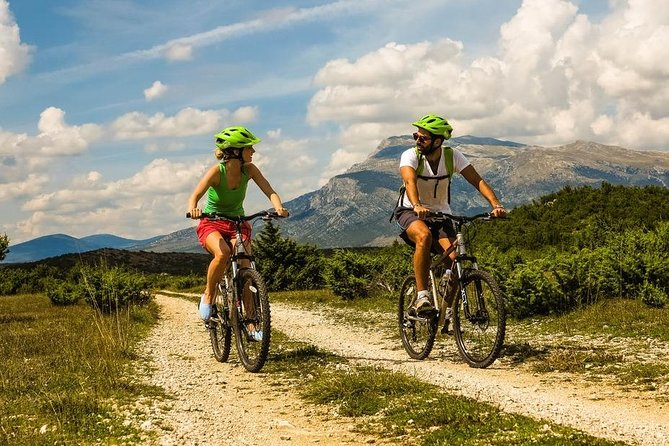 Private Bike Tour: Discover Solta Island On and Off-Road from Split