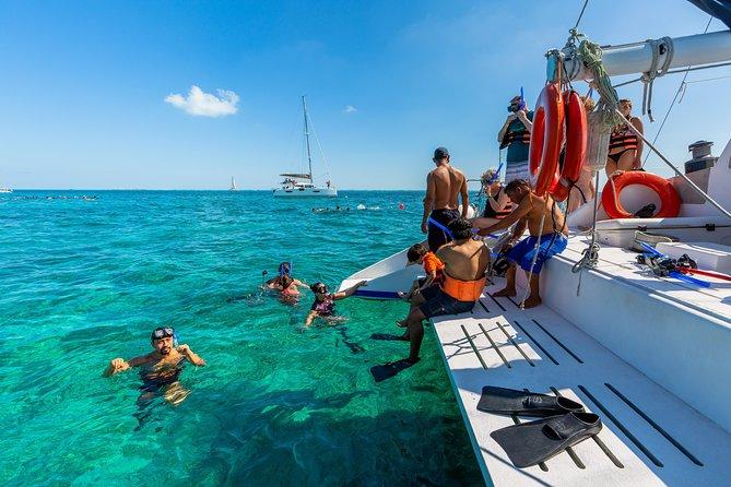 Tour en catamarán todo incluido desde Cancún a Isla Mujeres | 2020 | Viator