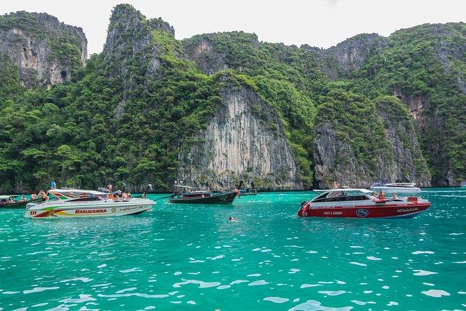 Excursion d'une journée aux îles Phi Phi avec déjeuner avec vue sur la mer par V. Marine Tour